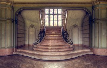 Eleganz – Treppenhaus in belgischem Schloss von Roman Robroek