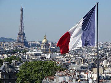 Parijse daken, de eiffeltoren en Invalides in 1 van Michaelangelo Pix