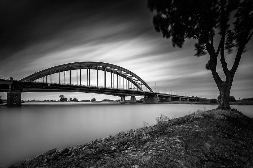 Viaanse Bow Bridge  von John Verbruggen