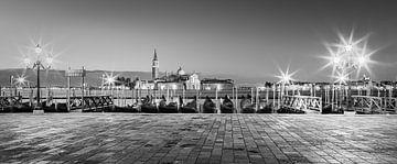 Zonsopkomst San Marcoplein, Venetië, Italië van Henk Meijer Photography