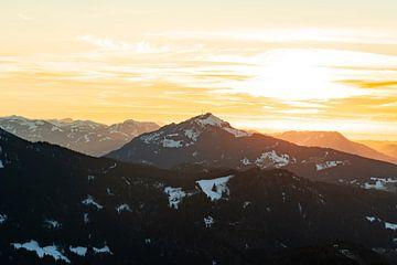 Zonsondergang boven de Grünten van Leo Schindzielorz