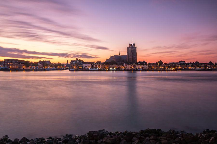 Rode zonsopkomst bij Dordrecht