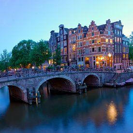 Brouwersgracht Amsterdam vanaf de Papiermolensluis van Ardi Mulder