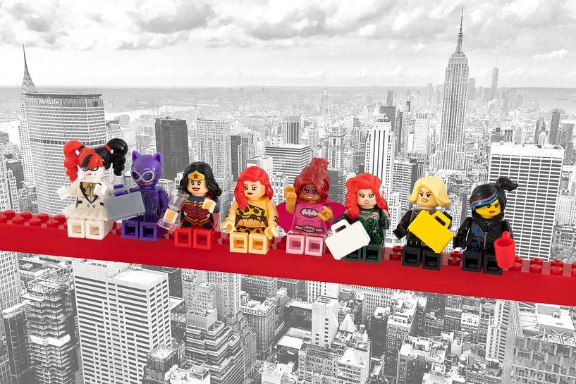Lunch atop a skyscraper Lego edition - Super Heroes - Women - New York von Marco van den Arend