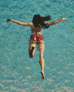 Schilderij van een meisje dat in de zee zwemt van Jan Keteleer
