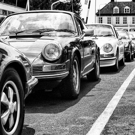 Porsche klassiekers op een pont