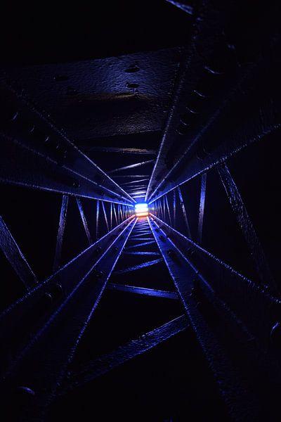duistere tunnel. van Arne Claessens