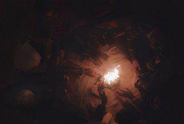 Kooplieden die zich 's nachts rond het vuur verzamelen in India van Edgar Bonnet-behar