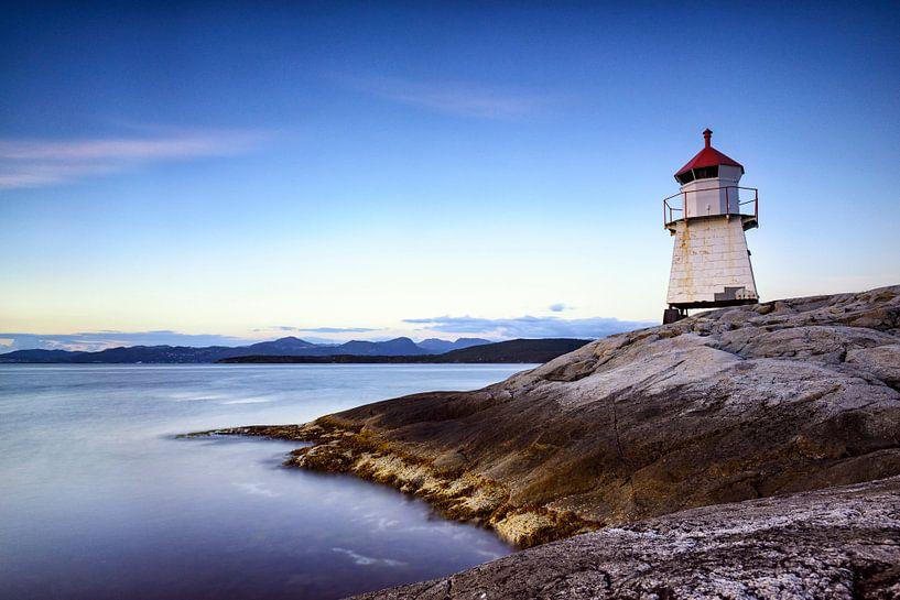 Navigatie baken op een eiland in Noorwegen van Sjoerd van der Wal Fotografie