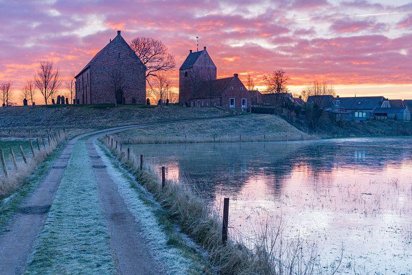 Een koude ochtend in Ezinge van Ron Buist