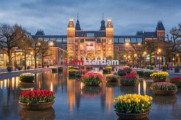 Rijksmuseum en tulpen von Pieter Struiksma