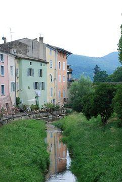 Gekleurde huizen in Frankrijk  sur Jeffrey Reit