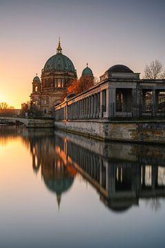 Berlijnse Dom bij zonsopgang van Robin Oelschlegel