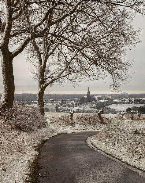 Sint-Martinuskerk Vijlen in de sneeuw van John Kreukniet