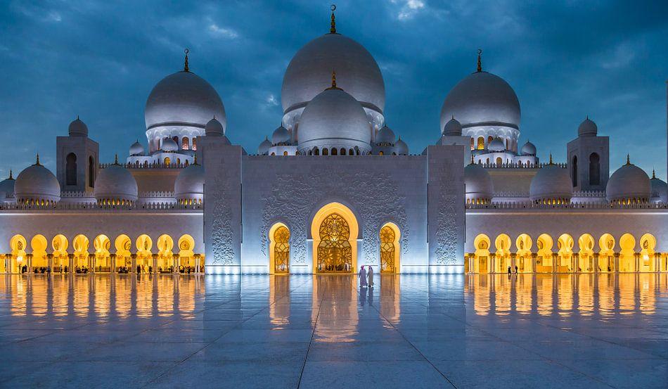 Sjeik Zayed Moskee, Abu Dhabi van Inge van den Brande