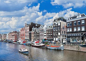 Les touristes profitent d'un séjour ensoleillé à Amsterdam sur Tony Vingerhoets
