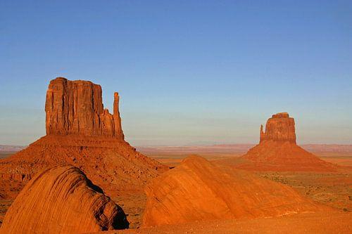 avondzon in Monument Valley