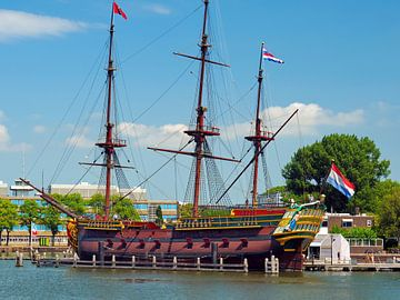 VOC-schip 'De Amsterdam' van Eduard Lamping