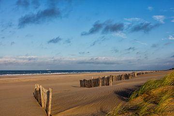 Een verlaten strand sur Bram van Broekhoven