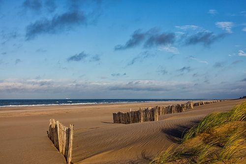 Een verlaten strand van