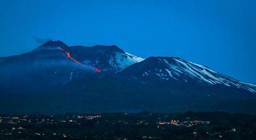 Uitbarsting van de vulkaan Etna op Sicilië