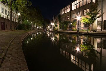 Die Oudegracht in der Nacht - Utrecht, Niederlande von Thijs van den Broek