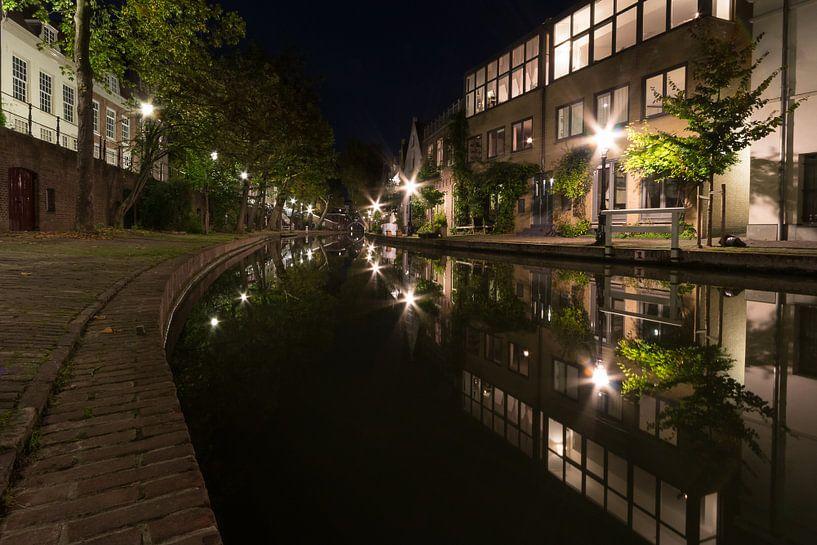 De Oudegracht bij nacht - Utrecht, Nederland van Thijs van den Broek