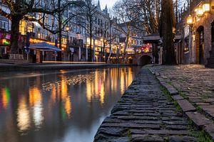 Kleurrijke avondsfeer aan de Oudegracht in Utrecht van André Russcher