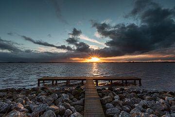 Lac de peinture du coucher de soleil sur P Kuipers