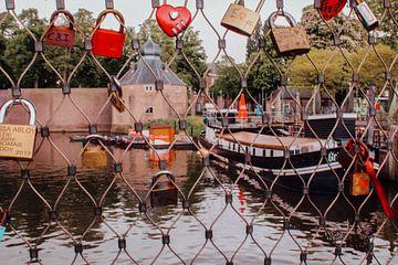 De slotjesbrug bij het Spanjaardsgat in Breda van
