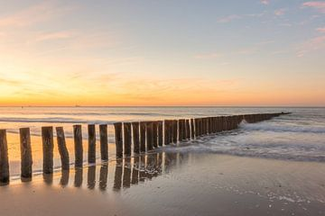 Zonsondergang op het strand van Cadzand-bad van John van de Gazelle
