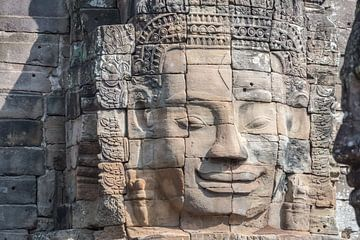 Gezicht van Boeddha in de Bayon tempel, Cambodja van Rietje Bulthuis