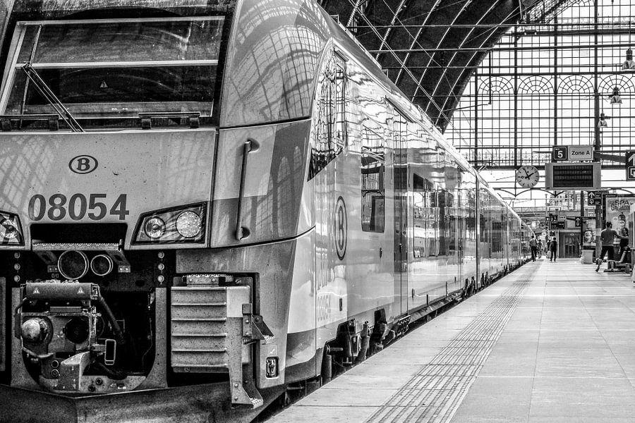 Station Antwerpen van Wessel Krul