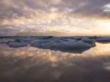 Gespiegeltes Eis von Roelof Nijholt