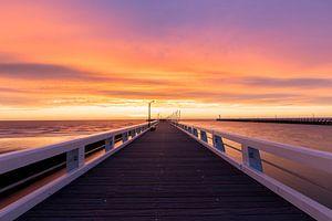 Belgie - Nieuwpoort - Gouden zonsondergang bij de Pier