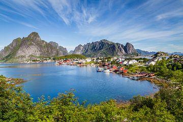 Malerische Lofoten Reine in Norwegen von Hilda Weges
