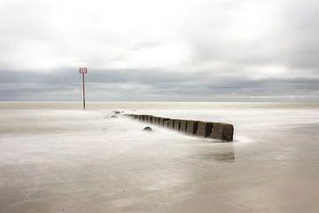 Wellenbrecher Strand Hollum Ameland von Douwe Deinema