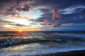 mooie zonsondergang in de zomer van