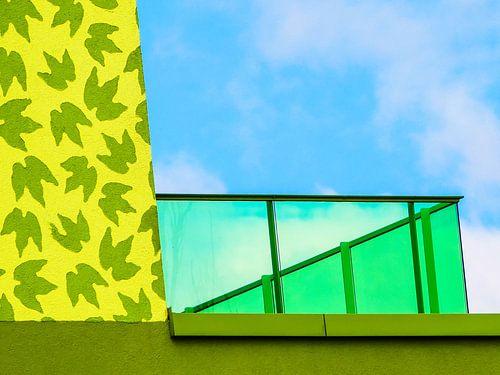 The green balcony van