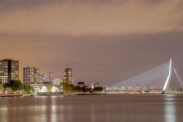 Skyline van Rotterdam sur Miranda van Hulst