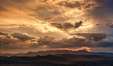 Zonsondergang in Montenegro von Gerard Burgstede