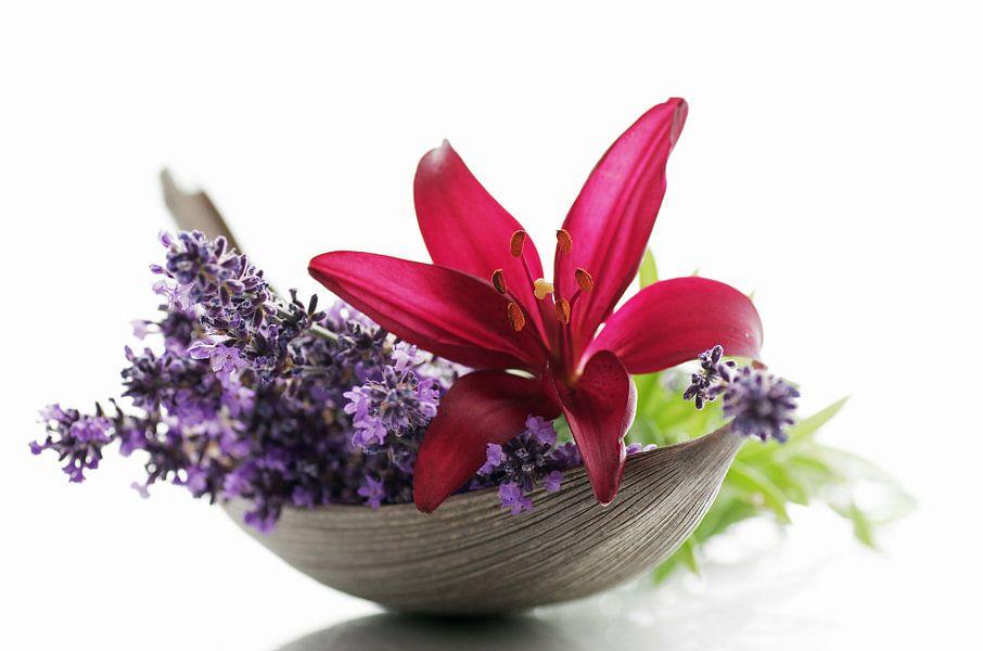 Lavendel en Lelies Bloemen als Stilleven