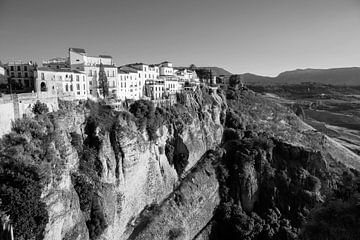 Coucher de soleil à Ronda, vieille ville d'Espagne vue sur les gorges du Tage, Espagne sur Tjeerd Kruse