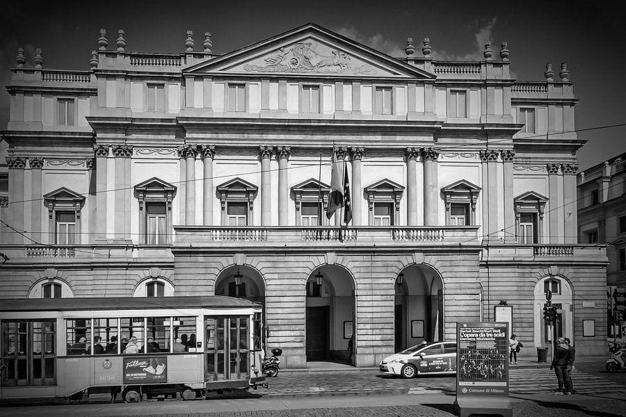 MILAN MONOCHROME Teatro alla Scala van Melanie Viola