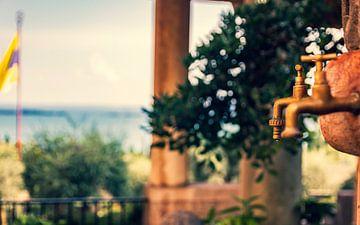 Tap Lake Garda, Italy sur Sander van Driel