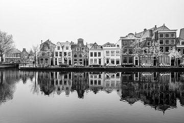 Het Spaarne in Haarlem op een koude winterdag van Erik Hageman