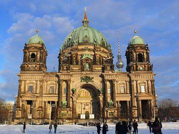 Berlijnse Dom in de sneeuw, hoofdkerk van RaSch-BS_Design