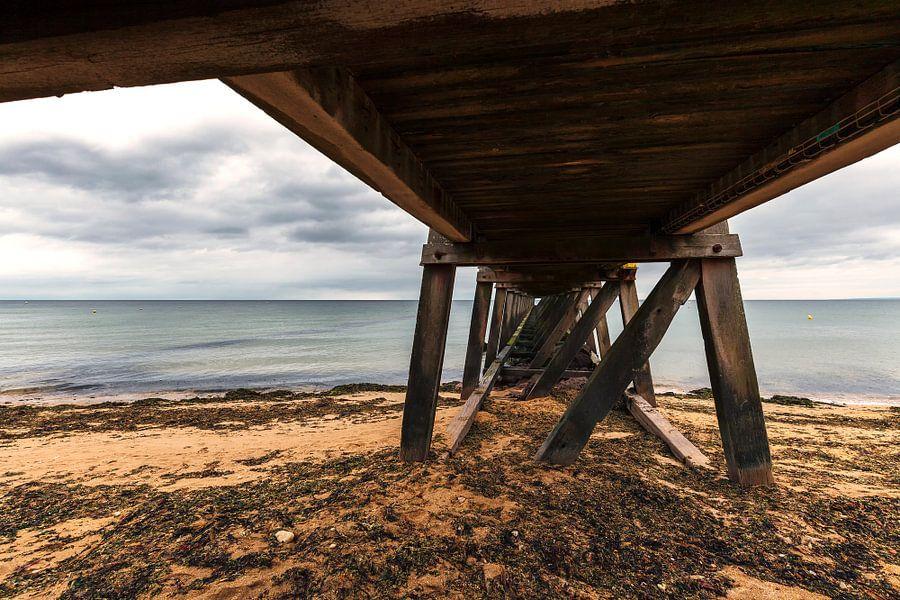 Steiger aan de kust van Normandië Frankrijk