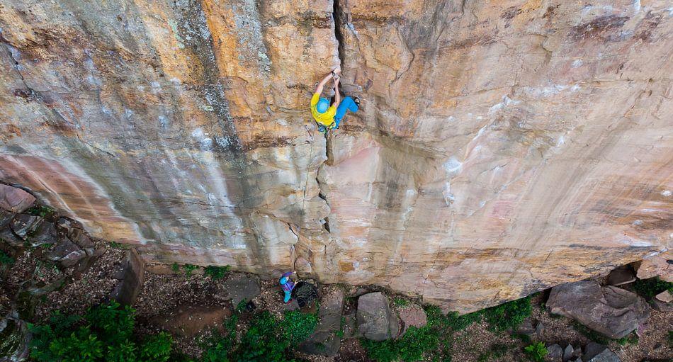 Centerfold Crack Climbing sur menno visser