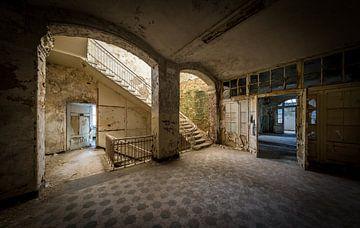 Treppen in der großen Halle von Inge van den Brande